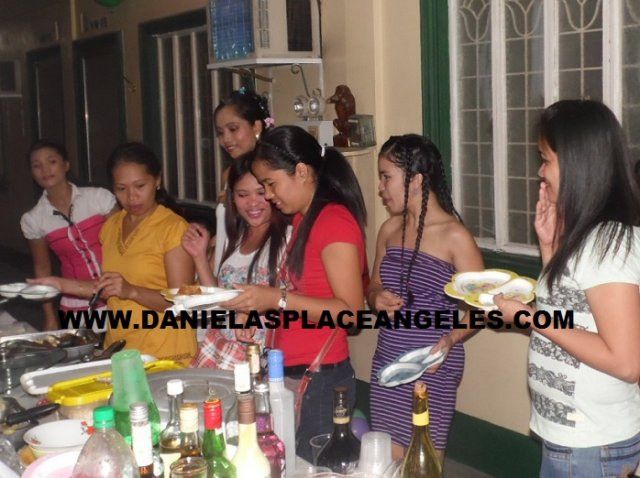 image danielas-place-budget-hotel-in-angeles-city_wedding-anniversary-party-11_fun-fun-fun-jpg